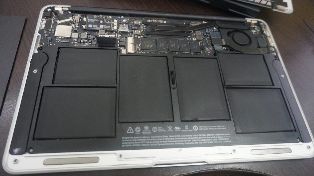 ワインで水没 水没修理バッテリー交換 Macbook Air A1465 2