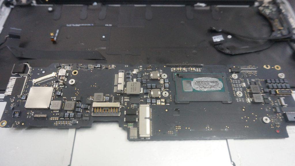 ワインで水没 水没修理バッテリー交換 Macbook Air A1465 4