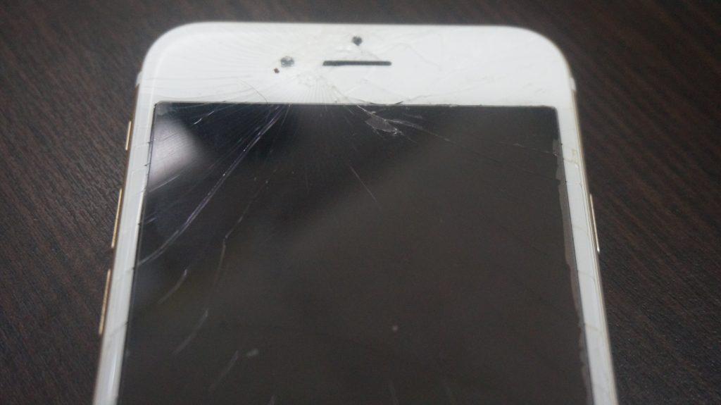 液晶ガラスに亀裂 液晶交換 iPhone6s 2