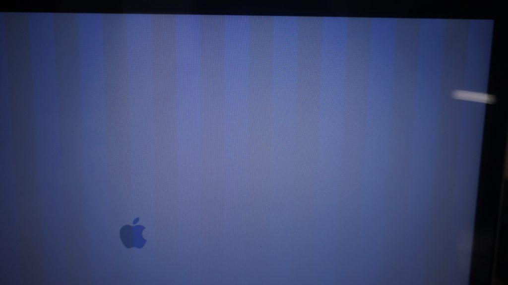 表示に縦線 グラフィックチップ交換 Macbook Pro 17 A1297 2012 2