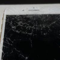 ガラス割れ液晶割れにつき交換 iPhone 7 Plus 2