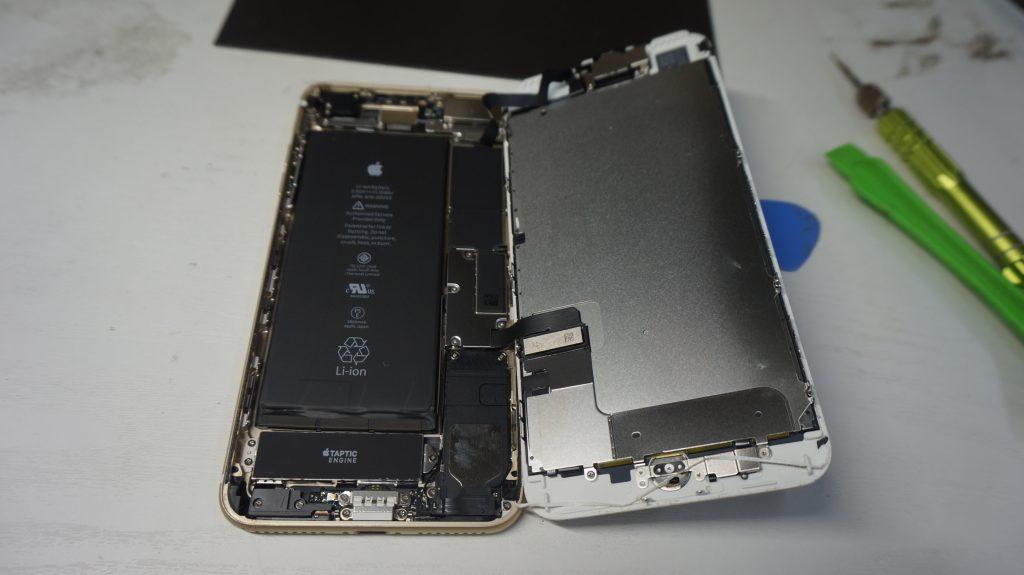 ガラス割れ液晶割れにつき交換 iPhone 7 Plus 4
