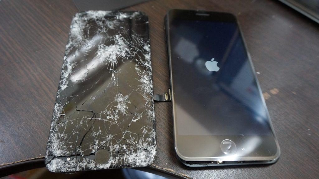 液晶バリ割れ交換 iPhone7 3