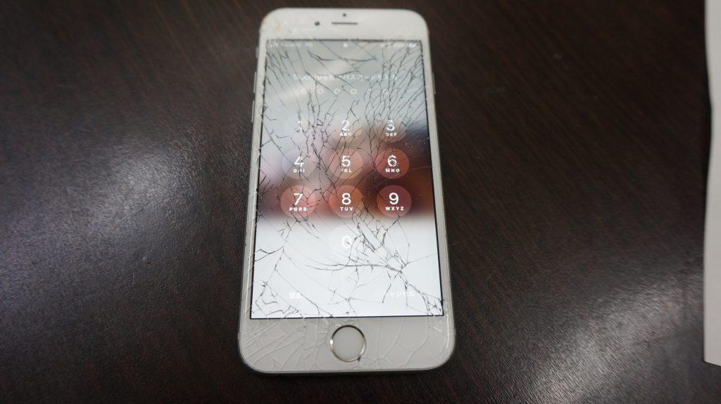 画面割れ交換修理 30分で直します iPhone6s 1