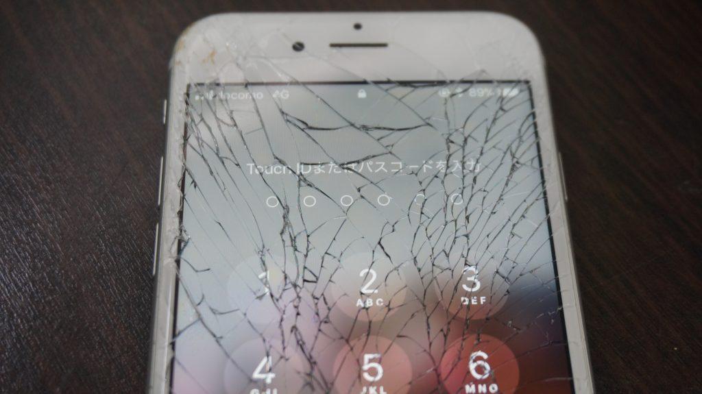 画面割れ交換修理 30分で直します iPhone6s 2