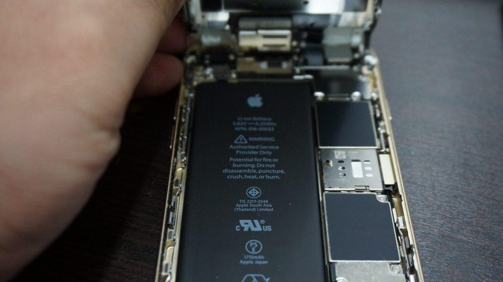 ガラスにヒビ 液晶交換 iPhone6s 3