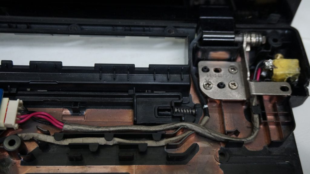 NEC LL450/J 電源が入らない 電源プラグハンダ修理 4