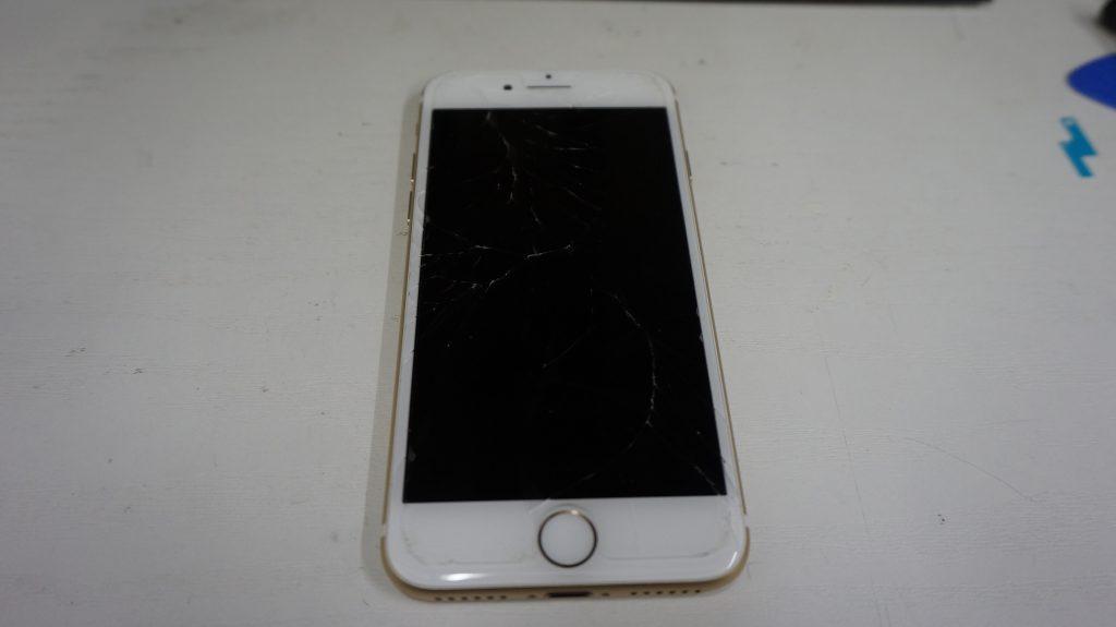 ひび割れガラス割れ 液晶交換 iPhone7 1