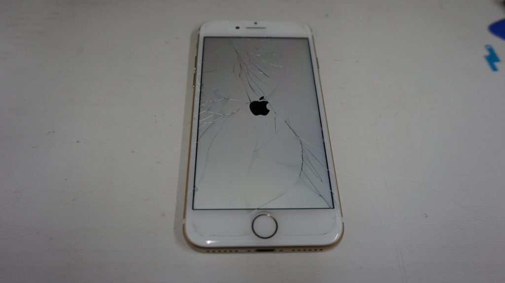 ひび割れガラス割れ 液晶交換 iPhone7 2