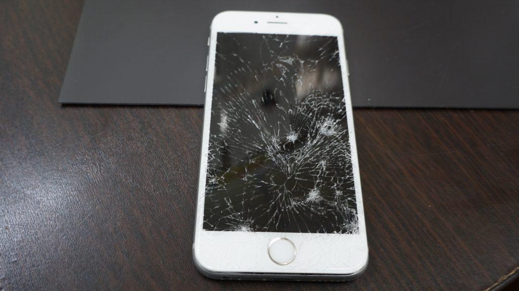 バリバリに割れた液晶交換 iPhon6s 3
