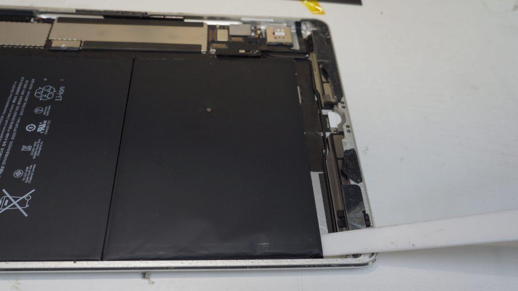 バッテリーの減りが速いのでバッテリー交換 iPad Air 6