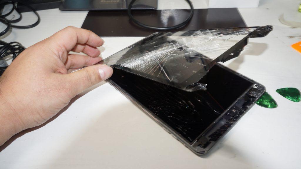 ガラス割れによりデジタイザ交換 iPad mini2 3