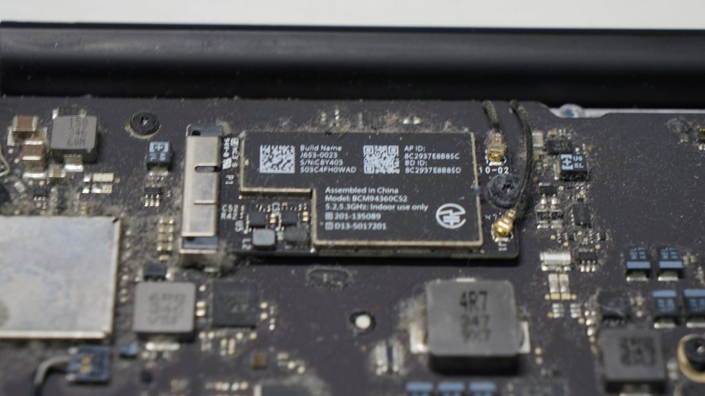 Wi-FiがOFFからON出来ない Wi-Fiモジュール交換 Macbook Air 13 A1466 4