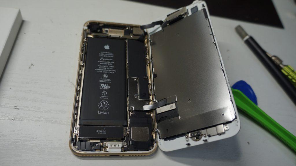 液晶割れ画面割れ30分で即交換 iPhone7 3