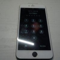 液晶割れ交換 色違いパネルで修理 iPhone6 Plus 6