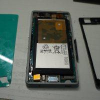 画面割れにより液晶交換 Xperia Z3 Compact 3