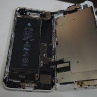 画面割れで液晶パネル交換安い iPhone7 3