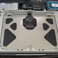 トラックパッドの動きがおかしい トラックパッド交換 Macbook Pro A1278 7