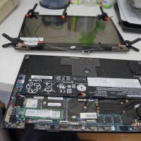液晶の角度で付いたり消えたりする 液晶交換 Lenovo X1 Carbon 2K 9