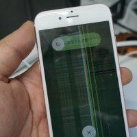 液晶に縦線が入る 液晶パネル交換 iPhone6s 2
