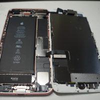 右上パネル欠け 液晶パネル交換 iPhone7 2