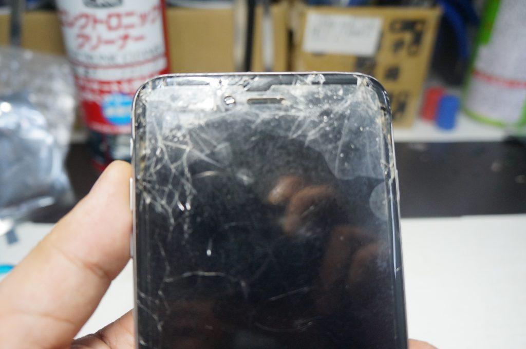 バイブスイッチあたりを強打し画面割れ 液晶パネル交換 iPhone6 Plus 2