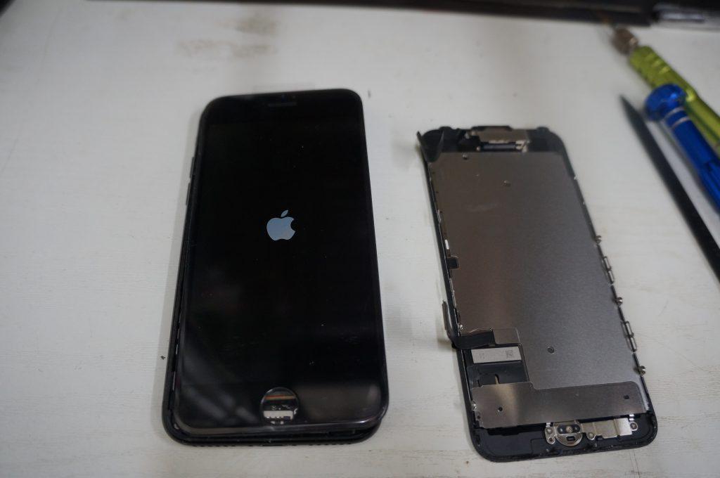 液晶漏れ(割れ) 液晶パネル交換 iPhone7 4