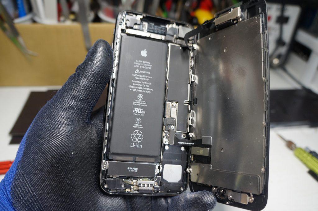 液晶漏れ(割れ) 液晶パネル交換 iPhone7 7