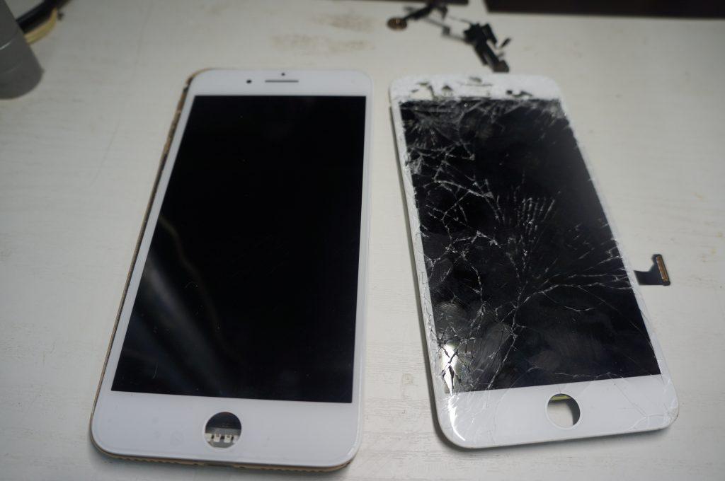 フロントカメラ付近もバリバリ割れ 液晶パネル交換 iPhone7 Plus 5