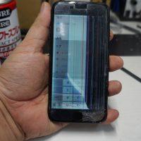 画面に線液晶割れ 液晶パネル交換 iPhone7 1