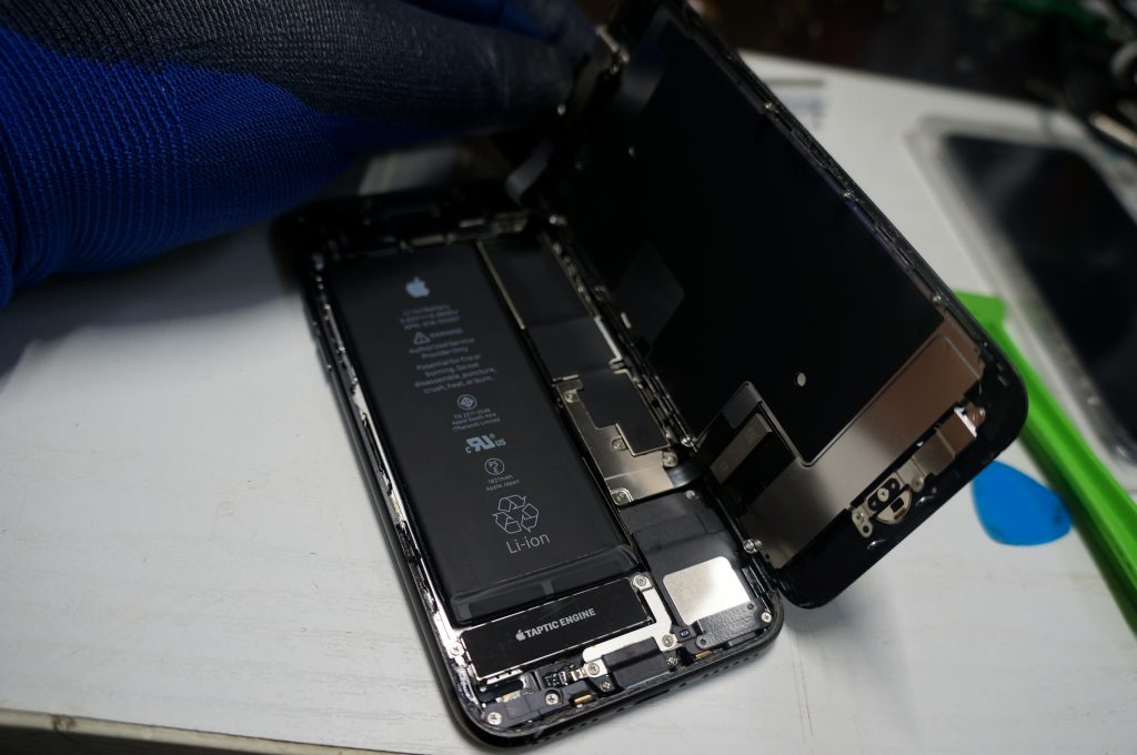 液晶割れにより液晶交換 iPhone8 4