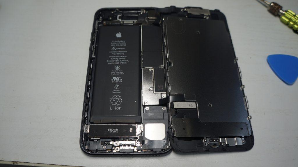 画面割れ→液晶パネル交換 iPhone7 4