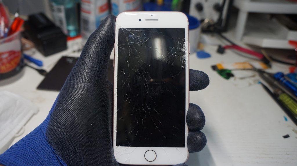 液晶割れ液晶漏れ 液晶パネル交換 iPhone7 1