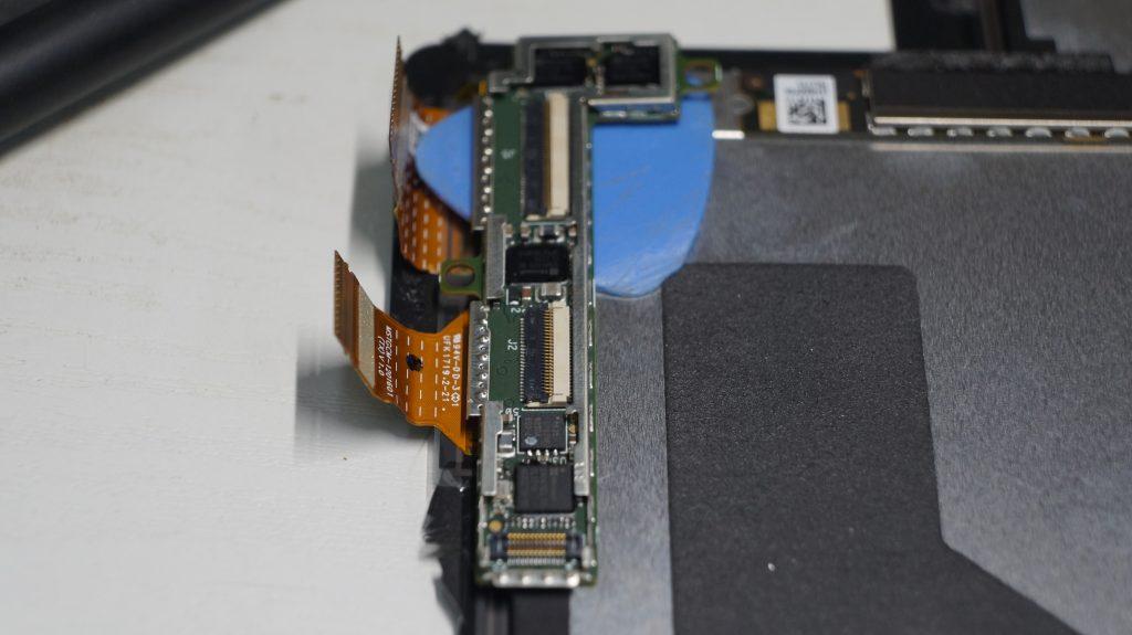 液晶割れにより液晶交換 Surface Pro5 9