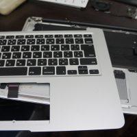 何かをこぼしキーボードが使えない キーボード交換 Macbook Air A1466 3